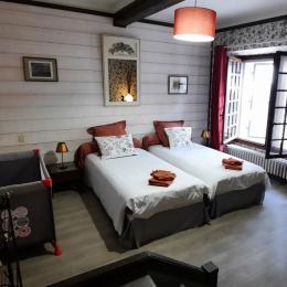 Chambre d'hôtes dans le Trièves, au pied du Mont Aiguille, pour 2 personnes à Chichilianne, Isère / Les Vagabonds du Mont - GARANCE - Chambre d'hôtes - Chichilianne