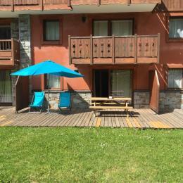 Grande terrasse exposée plein sud Le Soremavan prapoutel Clevacances, location vacances isère - Location de vacances - Les Adrets