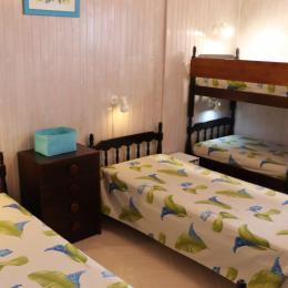 Chambre à Coucher avec grand lit - Location de vacances - Les Rousses