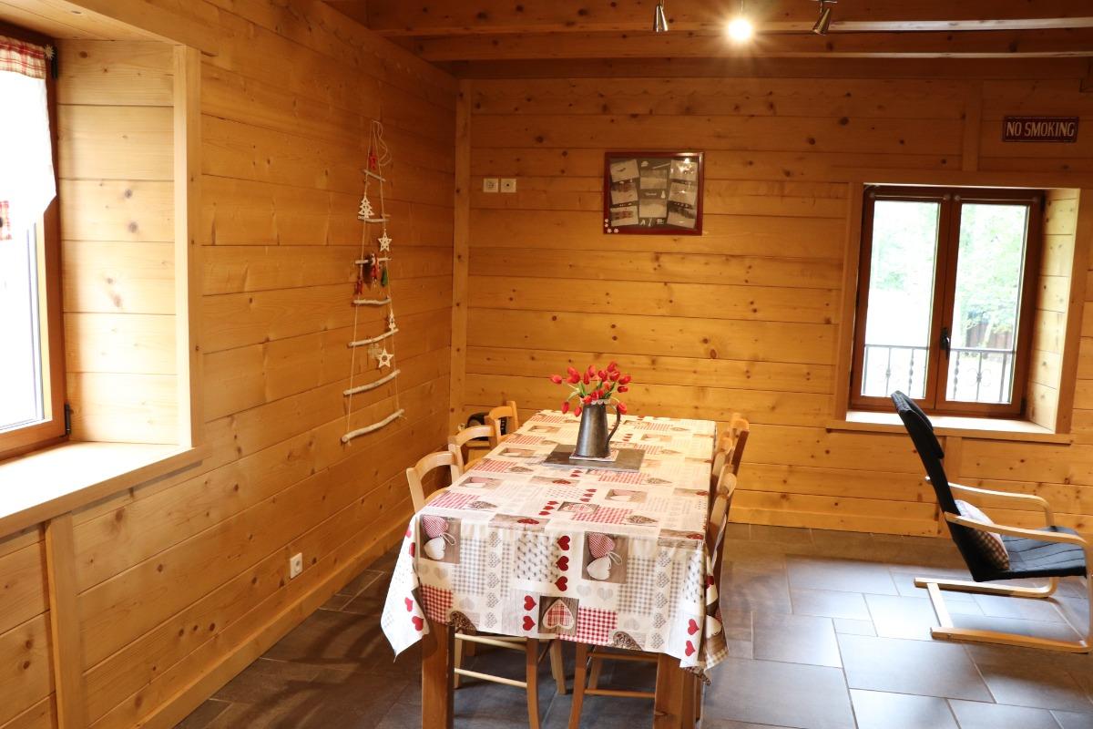 Logement aux Rousses - fenêtre intérieure chambre 1