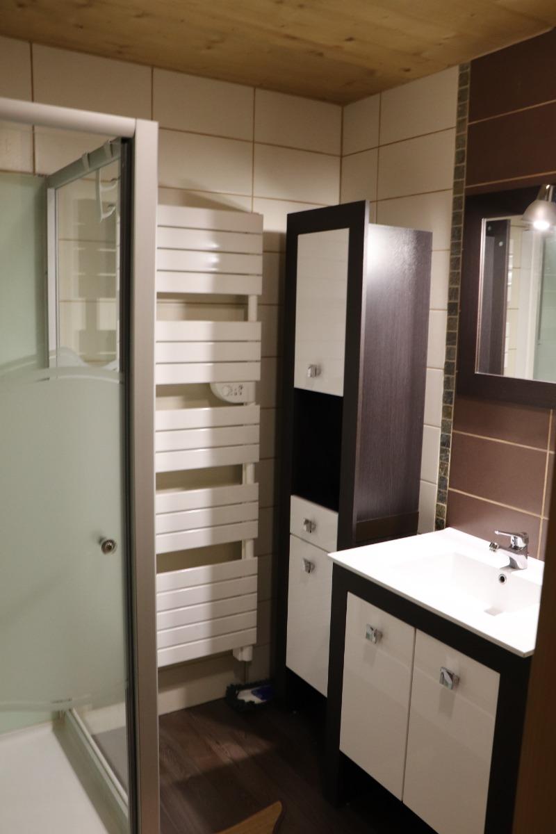 Logement aux Rousses - chambre 1 - lit double