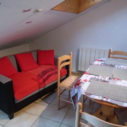 pièce à vivre/salon - Location de vacances - La Pesse