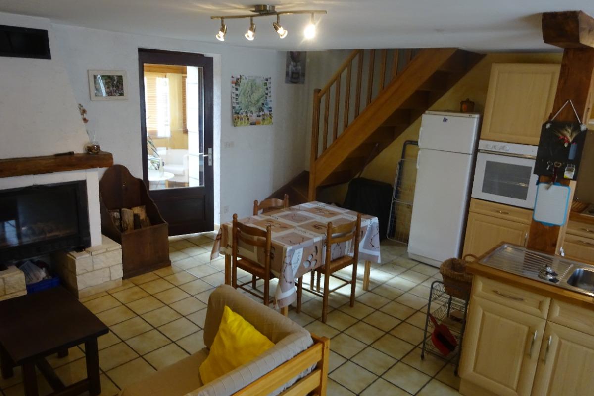 Gîte plateau Jura - pièce à vivre - Location de vacances - Valempoulières