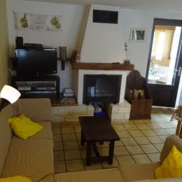 Gîte plateau Jura - salon cheminée - Location de vacances - Valempoulières