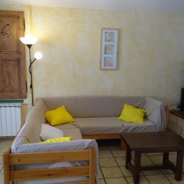 Gîte plateau Jura - salon - Location de vacances - Valempoulières