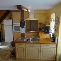 Gîte plateau Jura - coin cuisine - Location de vacances - Valempoulières