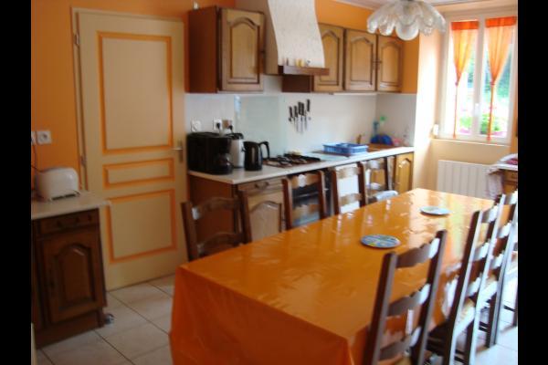cuisine équipée pour 8-10 personnes - Location de vacances - Lavans-lès-Saint-Claude