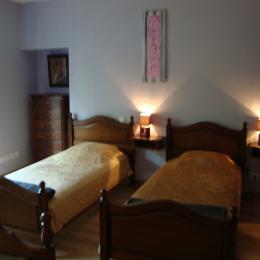 une chambre pour 4 personnes - Location de vacances - Lavans-lès-Saint-Claude