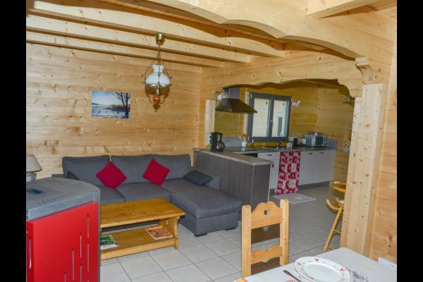 salon et cuisine - Location de vacances - Esserval-Combe