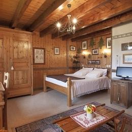 Les Andreys, chambre Les Pesses le grand lit en 160/200 - Chambre d'hôtes - Saint-Pierre