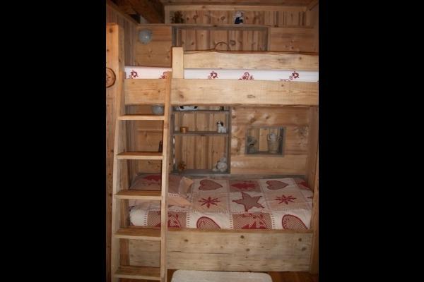 Le Fenaud, les 2 lits superposés de la petite chambre - Chambre d'hôtes - Saint-Pierre
