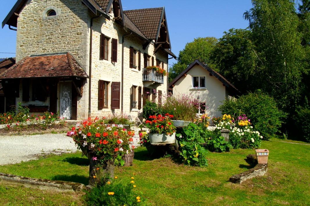 La maison, ancienne demeure de Jules GREVY président du conseil - Chambre d'hôtes - La Ferté