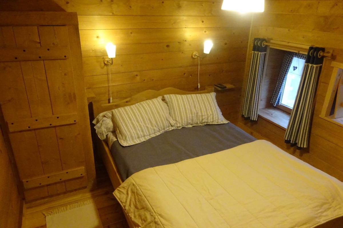 Chambres d\'hôtes style chalet dans une ferme rénovée du Jura, région ...