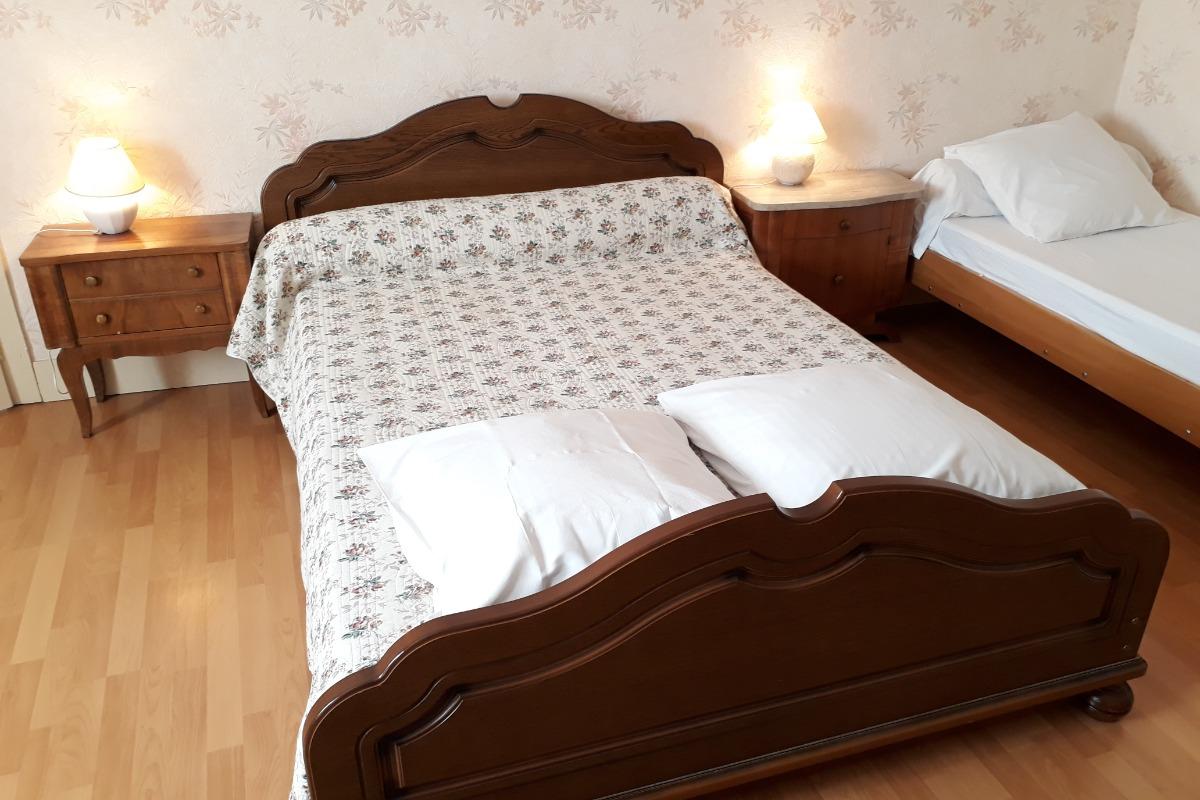Chambre indépendante 4 lits - Location de vacances - Lajoux