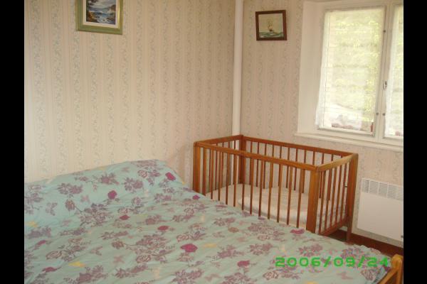 chambre 2 - Location de vacances - Lajoux