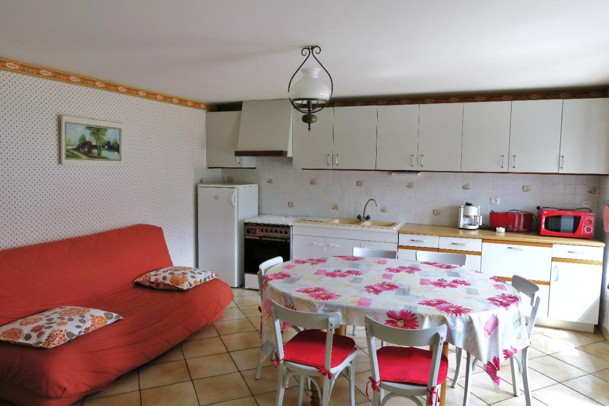 Salon + cuisine - Location de vacances - Bellefontaine