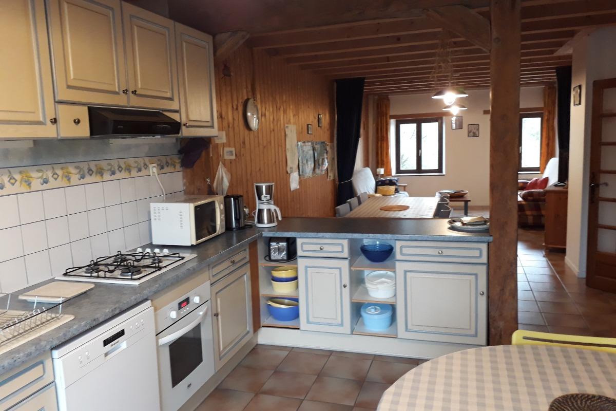 La cuisine ouverte sur le séjour - Location de vacances - Marigny