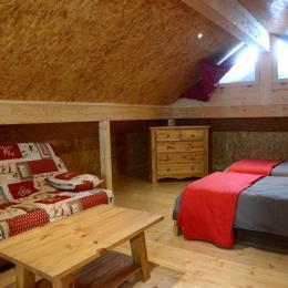 coin détente et 2 lits - Location de vacances - Foncine-le-Haut