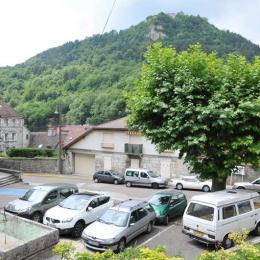 Parking Eglise Notre Dame très proche vue sur le fort Saint André - Location de vacances - Salins-les-Bains