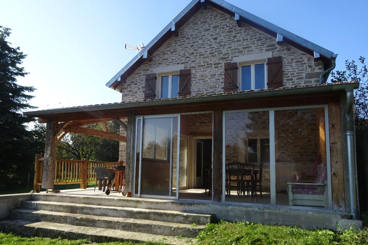 gîte dans le Jura - Chez Léon - Location de vacances - Serre-les-Moulières