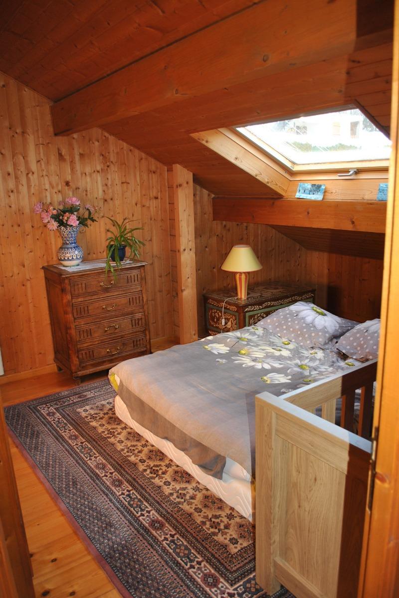 Chambre étage - Location de vacances - Doucier