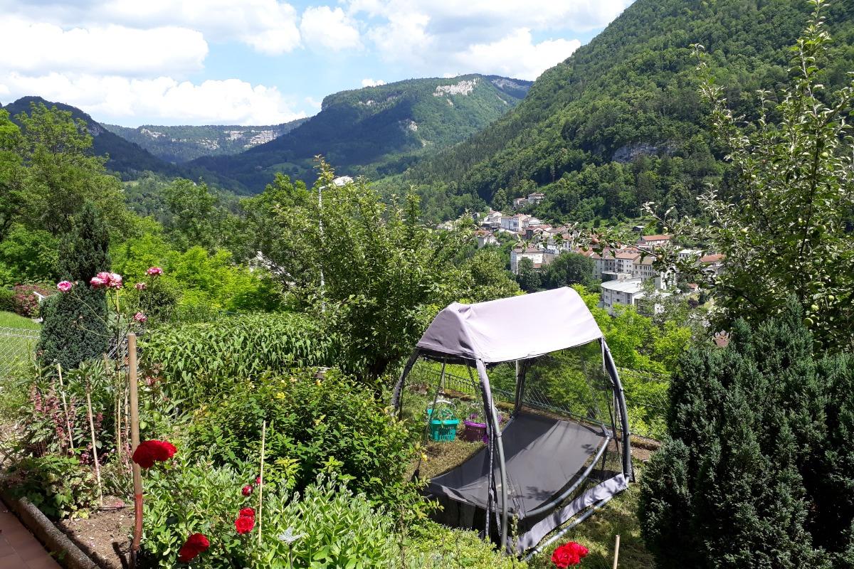 Vue de l'entrée - Location de vacances - Saint-Claude