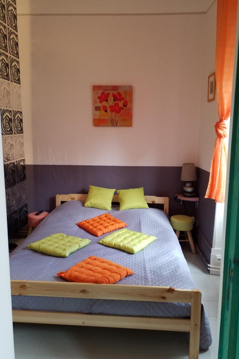 La chambre dans le séjour - Location de vacances - Arbois