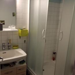 La salle d'eau - Location de vacances - Arbois