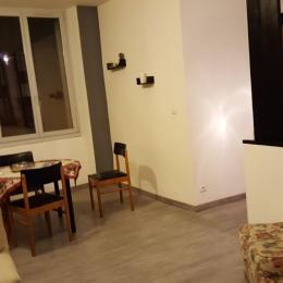 Le séjour/salon - Location de vacances - Salins-les-Bains