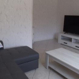 Lit 140 dans la chambre avec accès direct à la véranda - Location de vacances - Salins-les-Bains