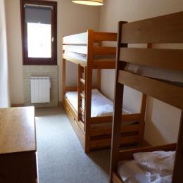 La chambre indépendante rez de chaussée du duplex - Location de vacances - Bellefontaine