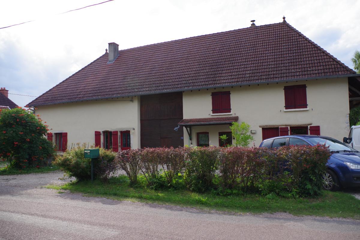 Maison vue de la rue - Location de vacances - La Vieille-Loye