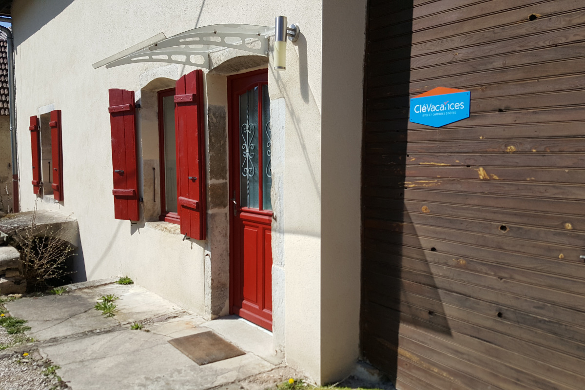entrée du gite - Location de vacances - La Vieille-Loye