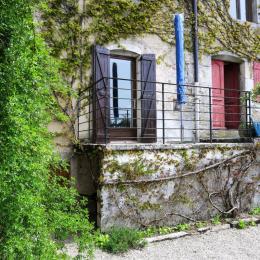 Vue de la terrasse depuis la coure intérieure - Location de vacances - Clairvaux-les-Lacs