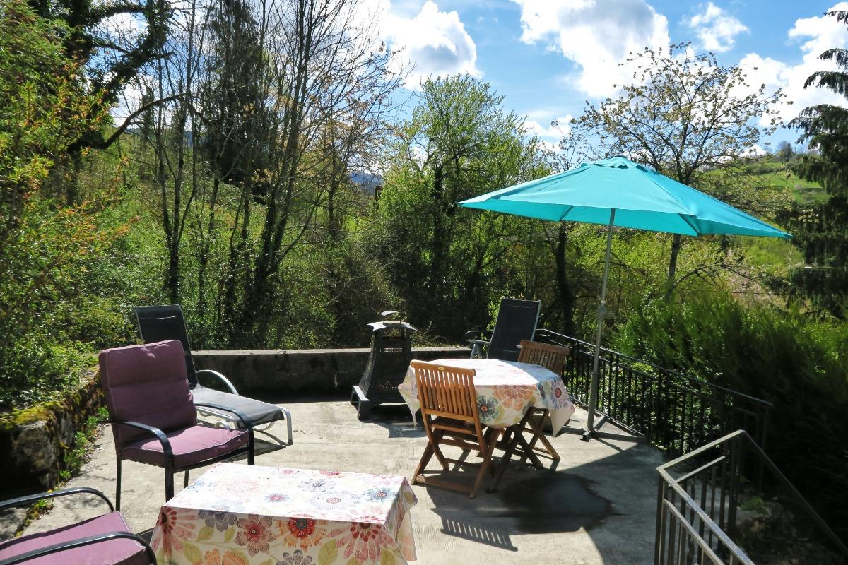 La terrasse.. - Location de vacances - Salins-les-Bains