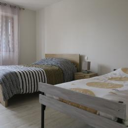 chambre n°1  - Location de vacances - Évans