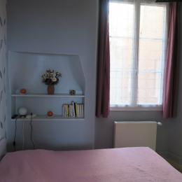 Autre vue de la chambre - Location de vacances - Salins-les-Bains