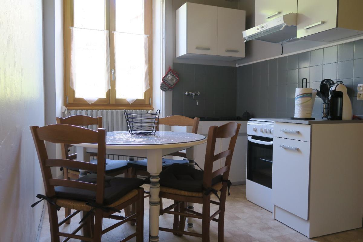 Salle à manger / Cuisine - Location de vacances - Chaux-des-Crotenay