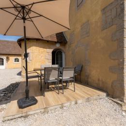 Terrasse et fenêtres chambre rdc et étage  - Location de vacances - La Châtelaine
