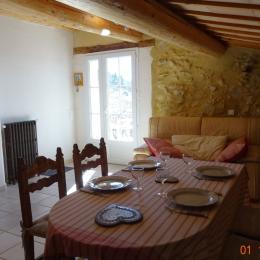 cour fleurie - Location de vacances - La Rochegiron