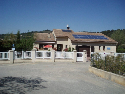 Villa dans laquelle se trouve le studio - Location de vacances - Gréoux-les-Bains