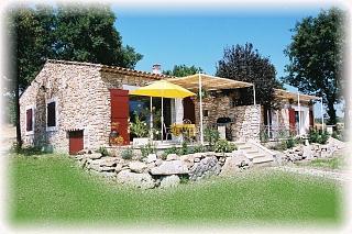 vue des 2 locations et leurs terrasses  - Location de vacances - Pierrerue