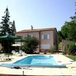 espace piscine + gîte (1er étage) - Location de vacances - Estoublon