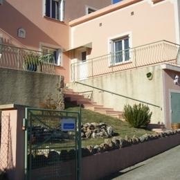 Vue extérieure de la location - Location de vacances - Puimoisson
