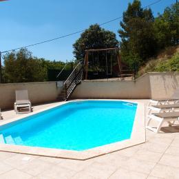 Piscine - Location de vacances - Esparron-de-Verdon