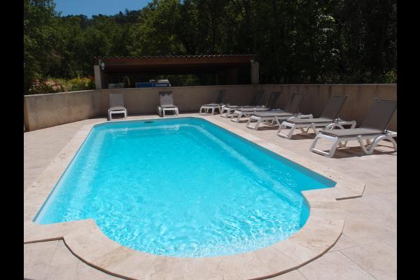 la maison et la piscine - Location de vacances - Esparron-de-Verdon