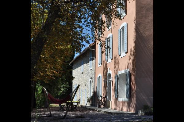 Terrasse et maison - Location de vacances - Reillanne