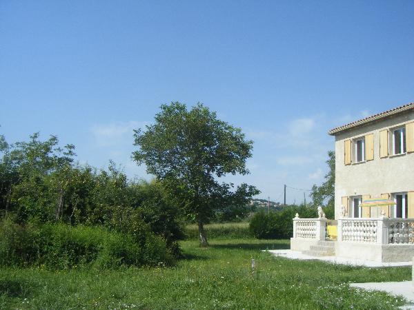 la maison et le jardin arboré - Location de vacances - Manosque