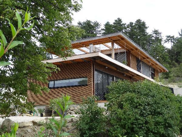 Vue extérieur studio dans maison contemporaine  - Location de vacances - Digne-les-Bains