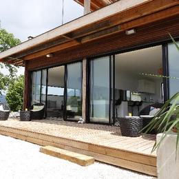 Vue studio et terrasse - Location de vacances - Digne-les-Bains